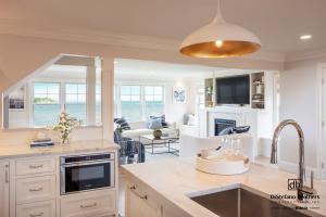 Sakonnet, Rhode Island, Getaway Whole-House Remodel